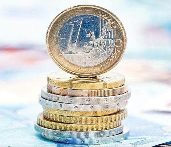 ΓΣΕΕ: Πώς επηρεάστηκαν εισοδήματα και χρέη το 2020